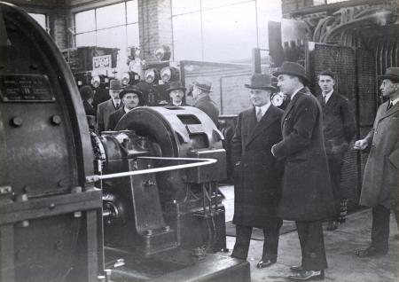 BW print; The opening of the Stanmore branch of the Metropolitan Railway, December 1932, 9 Dec 1932