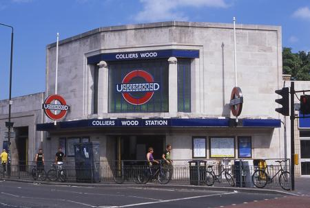 Colour transparency, Colliers Wood Underground station, Northern line by Hugh Robertson, 1 August 2001