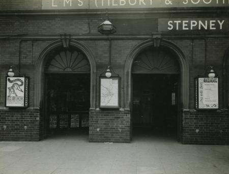 B/w print; stepney green underground station, metropolitan and district lines by topical press, 2 may 1933 - 5 may 1933