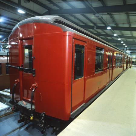 Railway vehicle; London Underground Q35-stock trailer car No. 08063, 1935