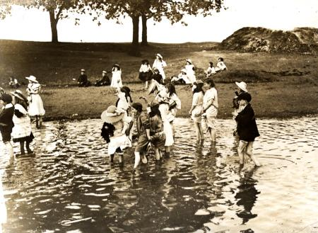 B/w print; children playing in connaught water in epping forest, kodak, 1910-1920