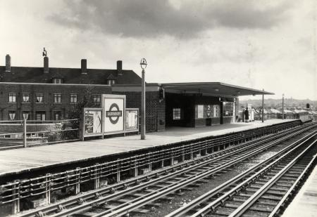 B/w print; platform view of queensbury underground station by topical press, 31 aug 1956
